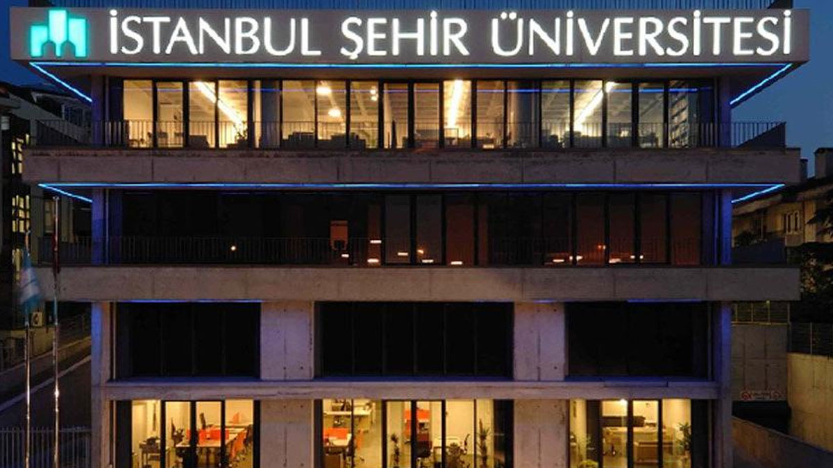 Does the dispute between Halkbank and Sehir University mean political  punishment for Ahmet Davutoglu?