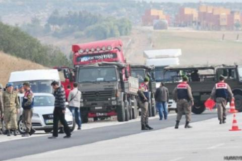 Trucks heading to Syria were stopped by FETO-aligned soldiers as a pretext to claim the Turkish government was supporting DAESH